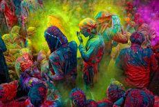 """Voyage au cœur de la """"Fête des couleurs"""" de l'Inde"""