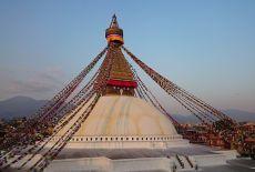 Voyage sous une ombrelle en Birmanie: les 8000 bouddhas de Pindaya