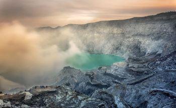 Voyage en Indonésie : trek sur les montagnes et volcans en treize jours