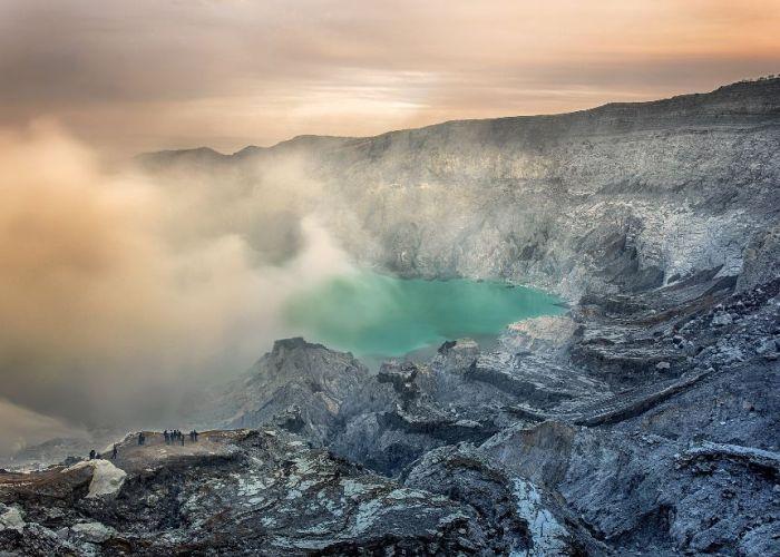 Voyage en Indonésie: trek sur les montagnes et volcans en treize jours