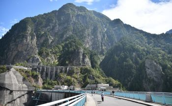 Extension sur la route alpine en trois jours