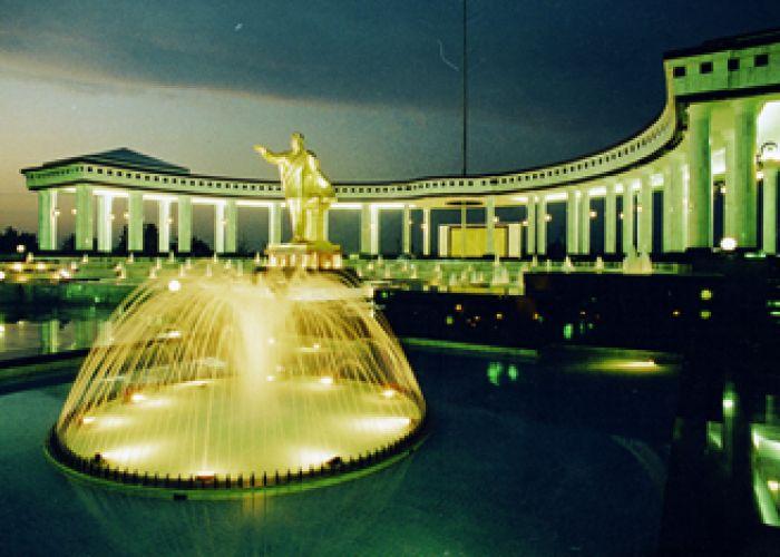 Voyage combiné Turkménistan-Ouzbékistan-Kazakzstan-Kirghizstan en trente deux jours