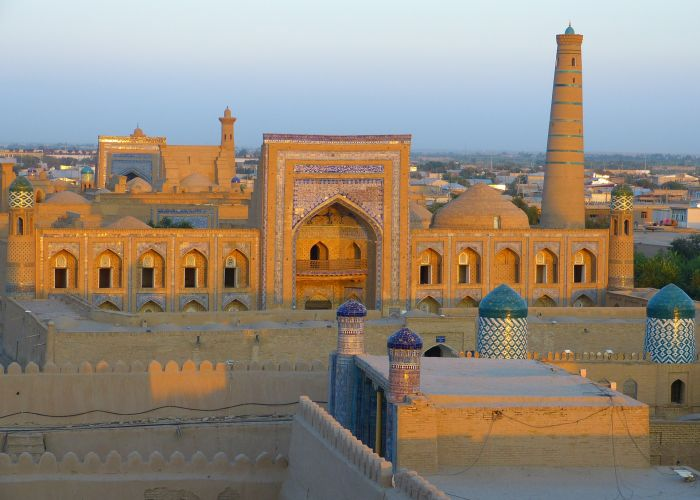 Voyage combiné : Turkménistan - Ouzbékistan - Kazakhstan - Kirghizstan en trente-deux jours