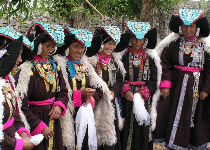 Voyage au Tibet: les habits de l'Himalaya