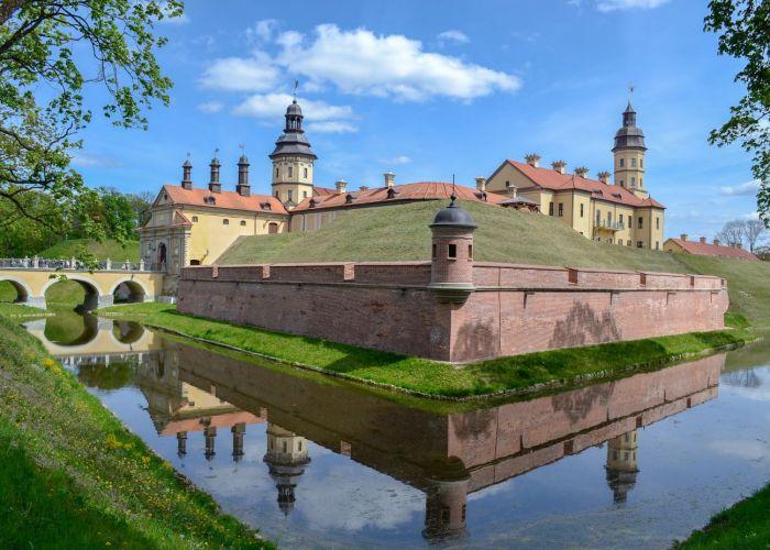 Circuit Biélorussie : Journée d'excursion à Navahrudak et Lida