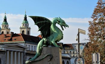 Circuit pas cher en Slovénie : Excursion à Lipica et Postojna